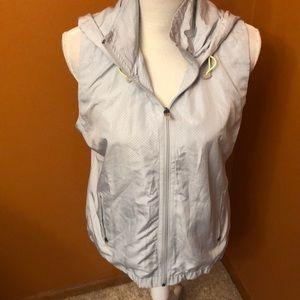 Maurice's in motion sleeveless jacket /vest.